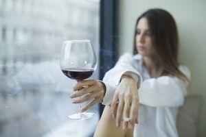 Pourquoi boire de l'alcool donne envie de fumer ?
