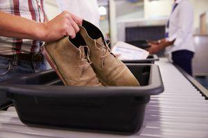 Pourquoi il est impératif de toujours se laver les mains après avoir passé le portique de sécurité à l'aéroport