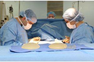 Prothèse PIP : l'Ordre des médecins appelle à la modération des honoraires