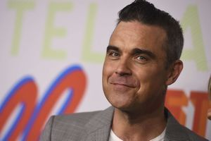 """Robbie Williams : À 44 ans, il confesse encore se battre contre """"sa maladie mentale"""""""