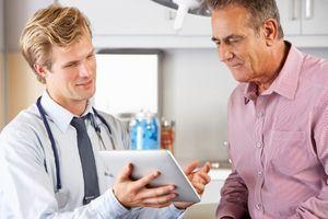 Santé: nouvelle baisse du reste à charge des patients en 2015