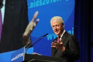 Sida : Bill Clinton et Bill Gates plaident pour un meilleur investissement des fonds
