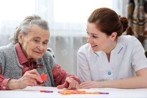 Une carence en vitamine D accélère le déclin cognitif des seniors