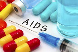 VIH/Sida : vers une trithérapie allégée à 4 jours/7 ?