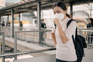 Virus : le Royaume-Uni et l'Italie vont surveiller les vols en provenance de Wuhan