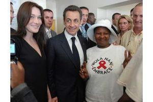 Carla Bruni et Paris s'engagent contre le Sida