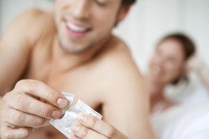 Ce que pensent vraiment les hommes du préservatif