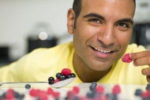 Myrtilles, agrumes et vin rouge pourraient prévenir les troubles de l'érection