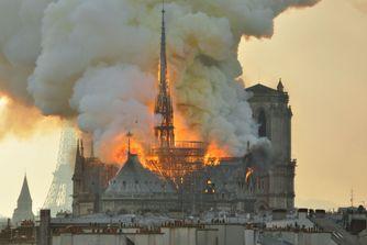 Pourquoi l'incendie de Notre-Dame de Paris a-t-il suscité autant d'émotion ?