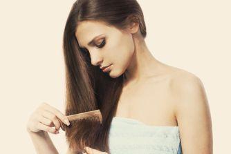 Produits anti-chute de cheveux : les soins qui tombent à pic