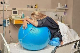 Maternités : une salle nature pour un accouchement physiologique