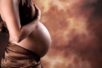 Tatouage, piercing et grossesse : attention danger ?