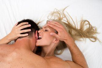 Masturber un homme : les erreurs à éviter
