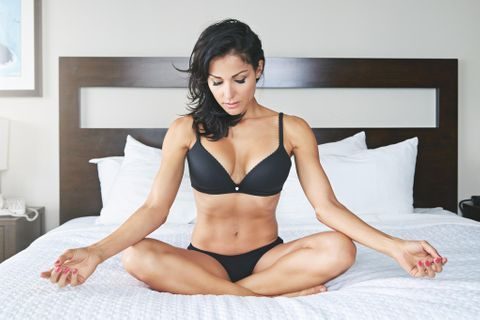 8 postures de yoga pour une sexualité épanouie