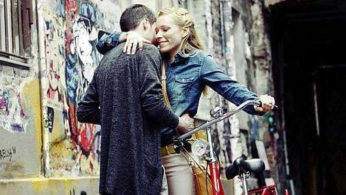 Rencontre: décodez les gestes amoureux
