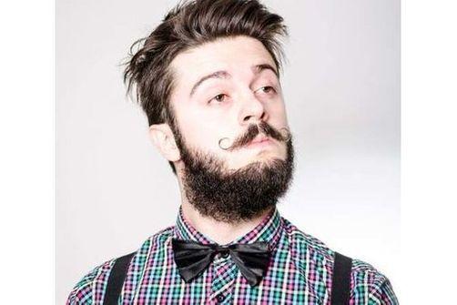 Les implants de barbe, la nouvelle mode new-yorkaise