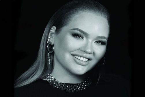 Nikkie Tutorials devient experte maquillage globale de Marc Jacobs Beauty
