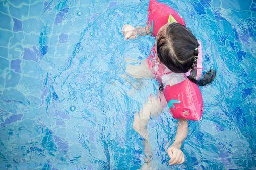 Combien d'enfants savent nager en France