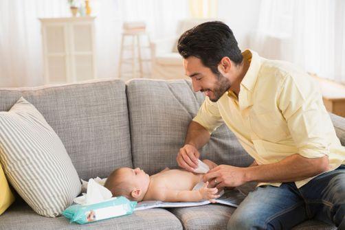 Bébé : les mamans plus actives que les papas