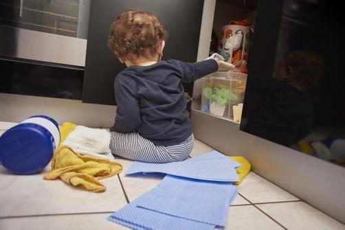 Tenez les capsules de lessive hors de portée des enfants