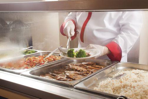 Cantines scolaires : trop de viande servie dans les assiettes