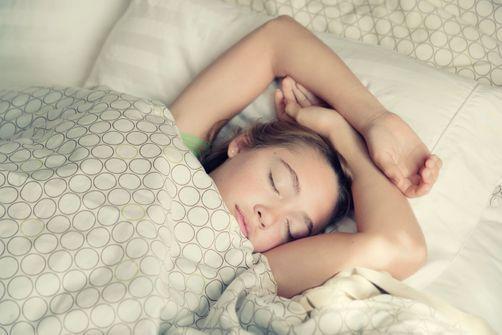 Les adolescentes noctambules seraient plus susceptibles d'être en surpoids