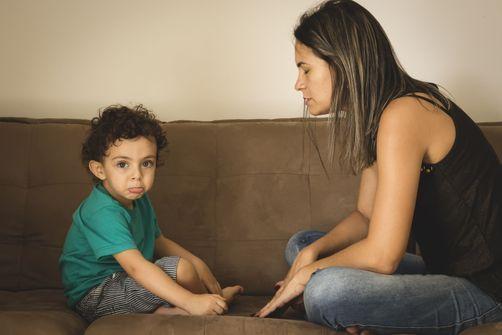 meres-coleriques-severes-enfants-troubles-comportement