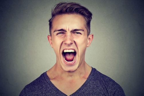 Des objets à insulter et frapper pour évacuer les émotions négatives