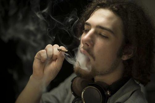 fumer un joint