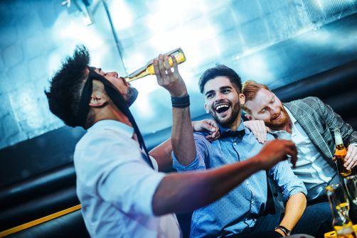 Alcool : le poids des lobbys de plus en plus pointé du doigt
