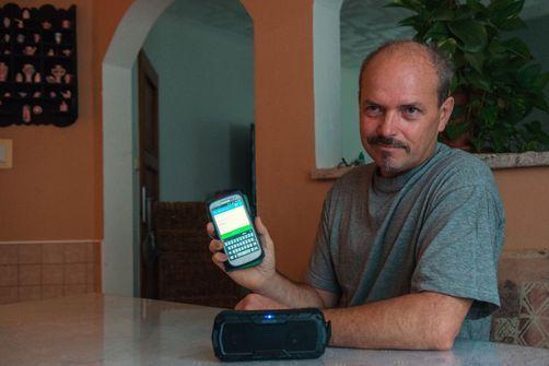Cancer : privés de larynx mais pas de leur voix, grâce à une application tchèque