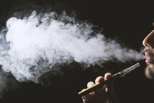 Cigarette électronique : un deuxième décès constaté et une nouvelle piste d'investigation