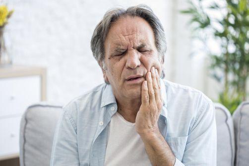 La maladie d'Alzheimer liée à une bactérie buccale ?