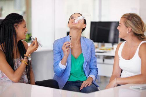 Les adolescents n'ont pas toujours conscience que l'e-cigarette contient de la nicotine