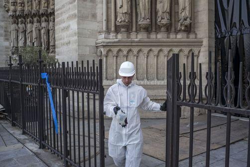 Plomb à Notre-Dame: des écoles parisiennes en cours de dépollution