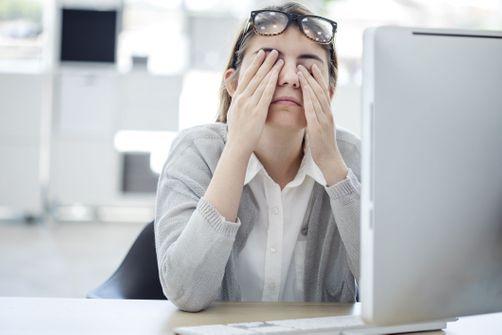 Santé oculaire : pourquoi vous ne devriez pas vous frotter les yeux