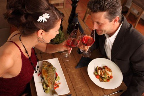 Les hommes choisiraient de manger de la viande lorsqu'ils veulent séduire les femmes