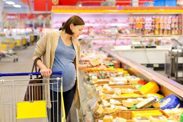 Peut-on manger du fromage enceinte ?
