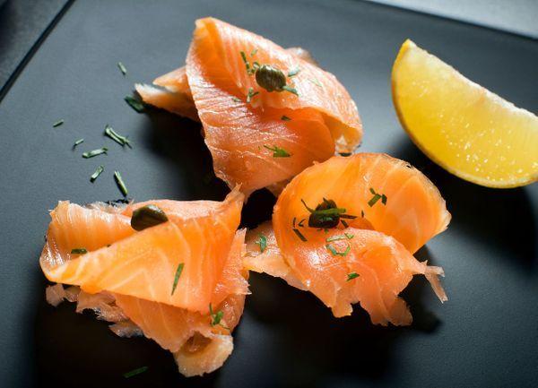 manger-saumon-fumer-enceinte