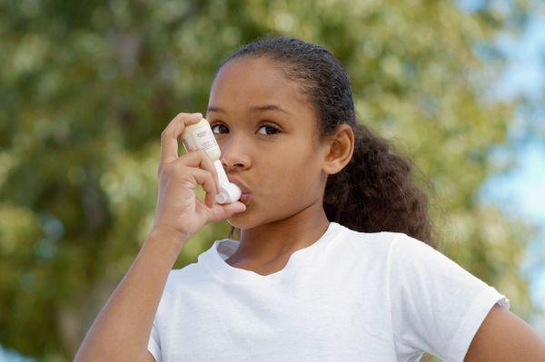 symptomes-asthme-enfant