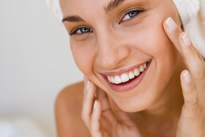 Comment traiter la peau grasse ?