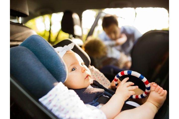 Sécurité de bébé en voiture