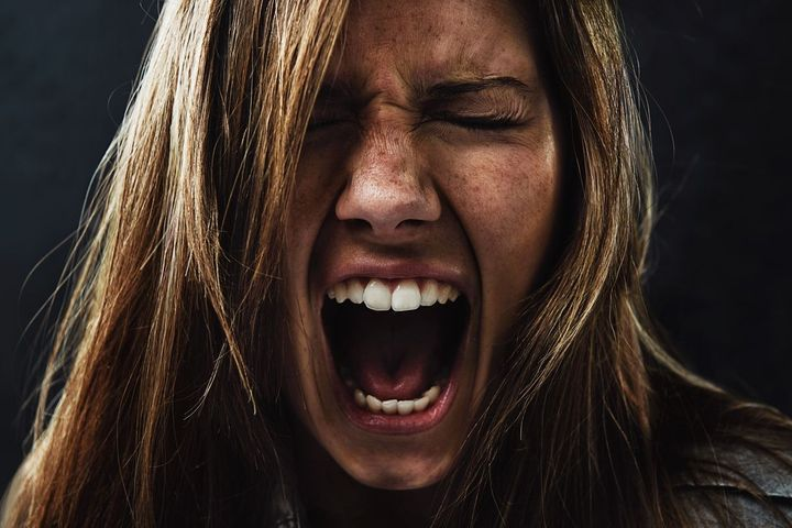 Gaslighting : une manipulation émotionnelle dangereuse