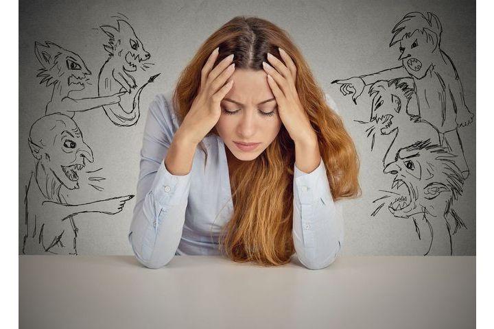 Entendre des voix sans être schizophrène