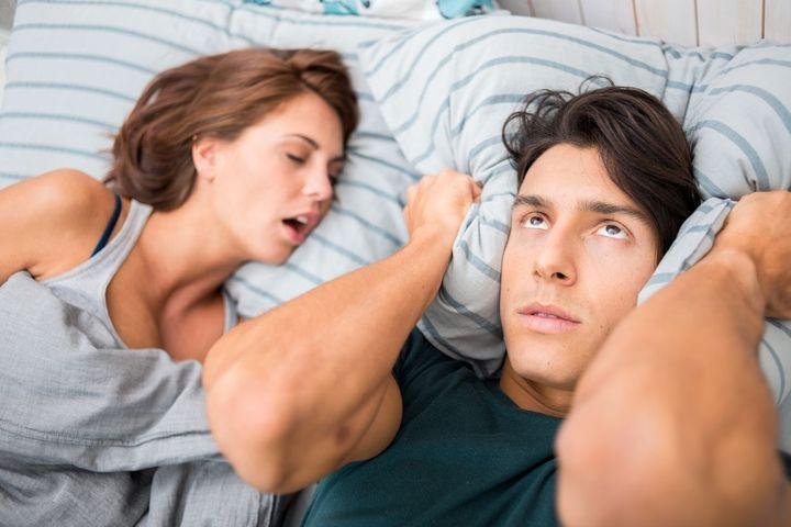 Traiter les ronflements des femmes