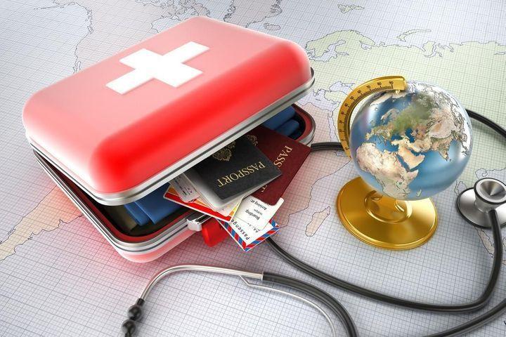 trousse voyage médicaments