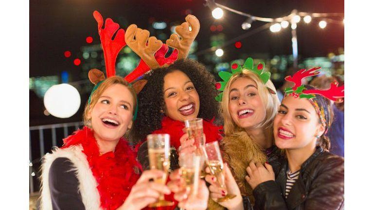 Alcool pendant les fêtes : démêlez le vrai du faux !