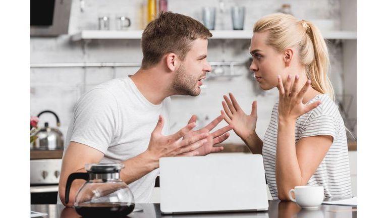 Disputes constructives ou engueulades inutiles ?