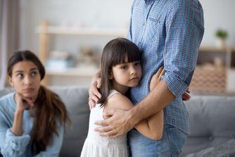 Séparation pour infidélité : faut-il leur dire ?