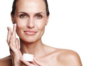 Crèmes anti-rides : des soins pour arrêter le temps